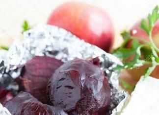 depositphotos_22559311-stock-photo-beetroot-baked-in-foil-in